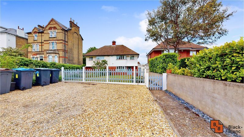 3 bed house for sale in Lancaster Road 1
