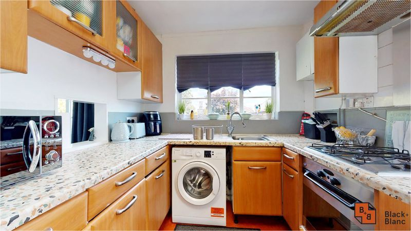 3 bed house for sale in Lancaster Road 5