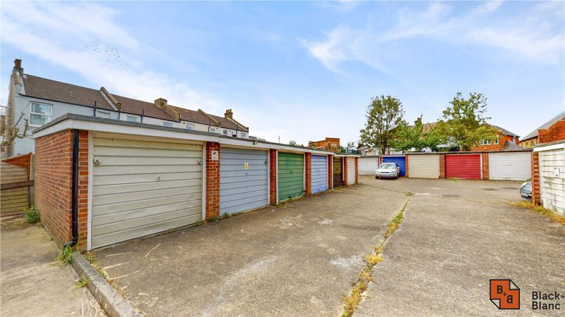 2 bed house for sale in St. Lukes Close  - Property Image 9
