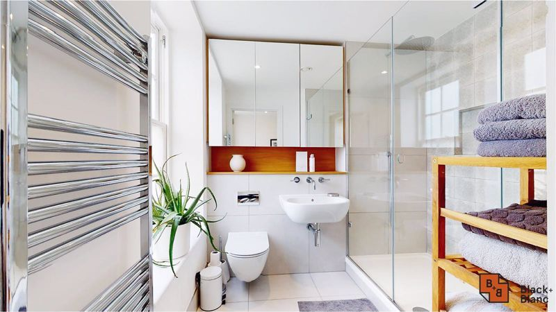 2 bed flat for sale in West Common Road 14