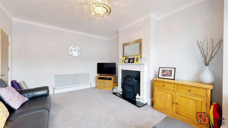 3 bed house for sale in Silver Lane 4