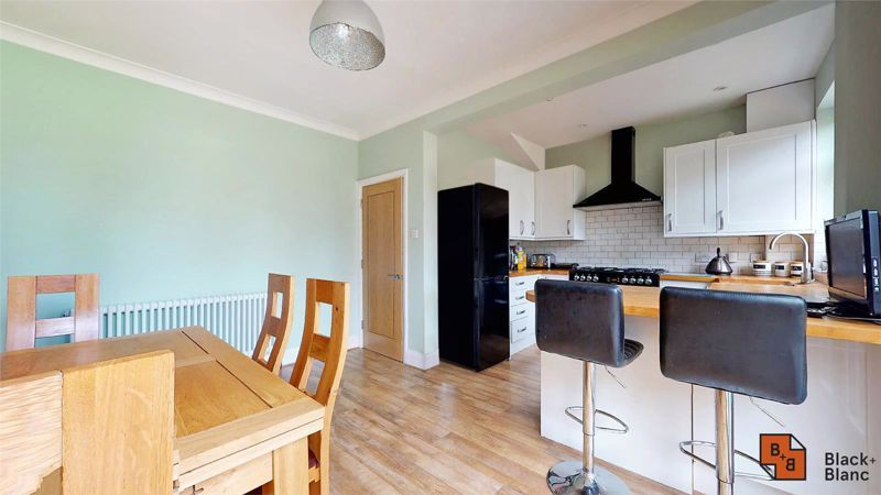3 bed house for sale in Silver Lane 5