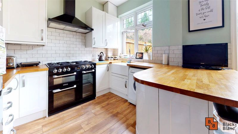 3 bed house for sale in Silver Lane 6