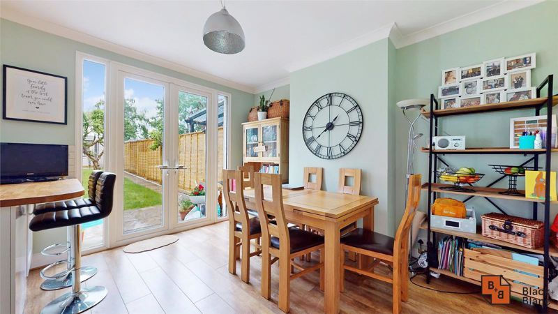 3 bed house for sale in Silver Lane 7