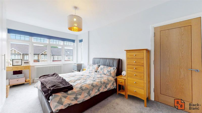 3 bed house for sale in Silver Lane 8
