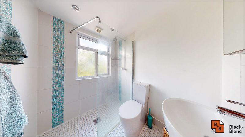 5 bed house for sale in Manor Road 17