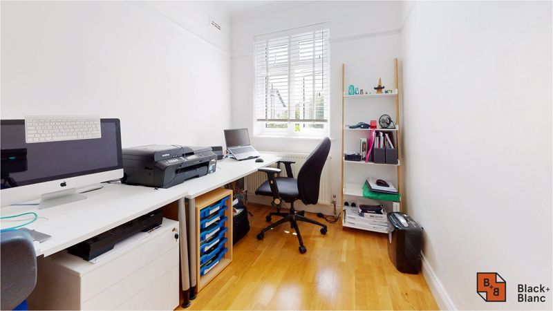 5 bed house for sale in Manor Road  - Property Image 18
