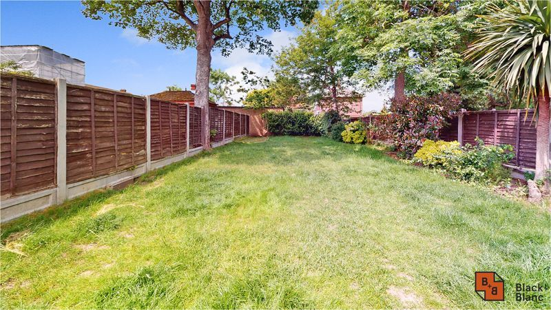 5 bed house for sale in Manor Road 20