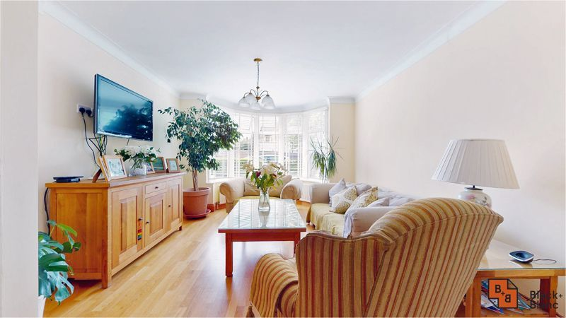 5 bed house for sale in Manor Road  - Property Image 3