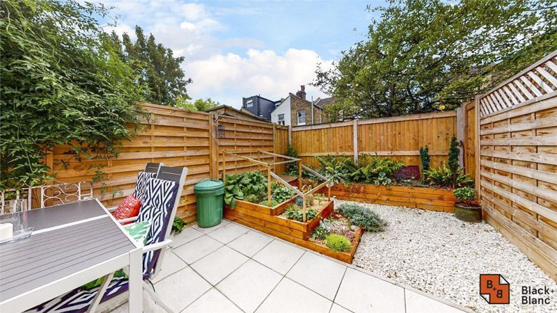 3 bed house to rent in Alpha Road  - Property Image 11
