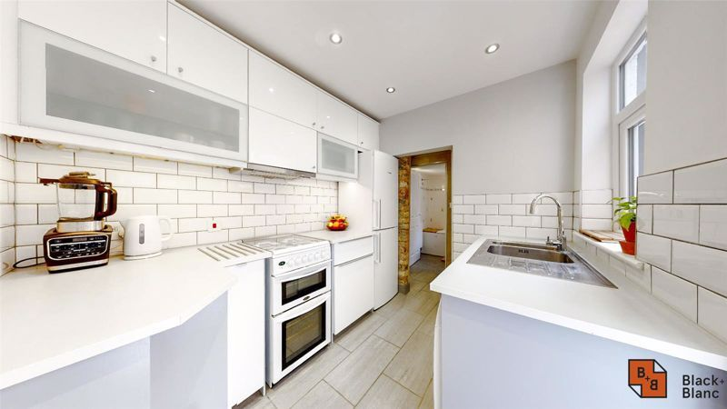 3 bed house to rent in Alpha Road 4