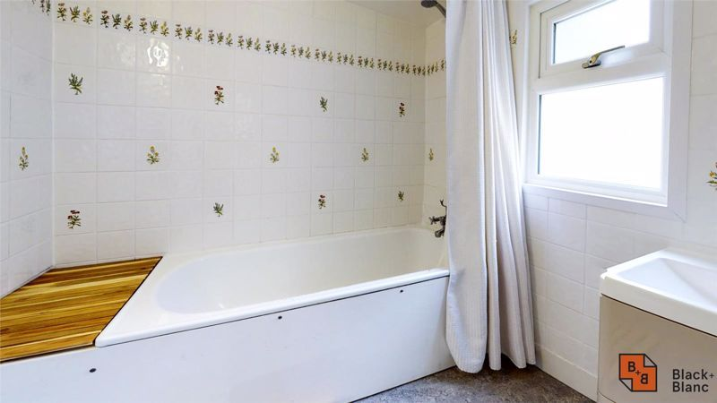 3 bed house to rent in Alpha Road  - Property Image 10
