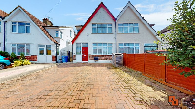 4 bed house for sale in Kent Road  - Property Image 1