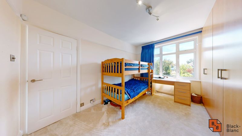 4 bed house for sale in Kent Road  - Property Image 11