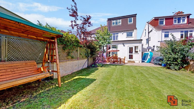 4 bed house for sale in Kent Road  - Property Image 15