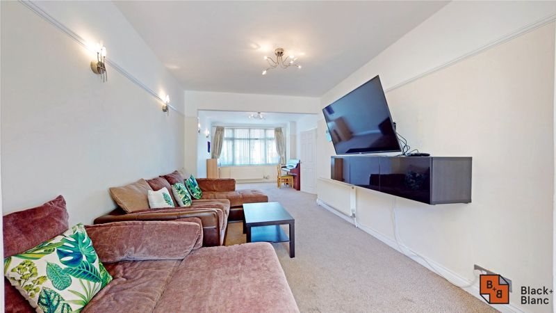 4 bed house for sale in Kent Road  - Property Image 3