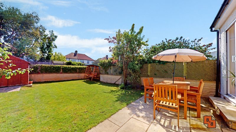 4 bed house for sale in Kent Road  - Property Image 5