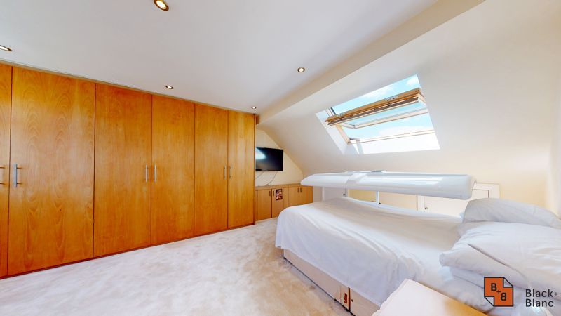 4 bed house for sale in Kent Road 7