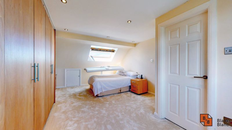 4 bed house for sale in Kent Road  - Property Image 8
