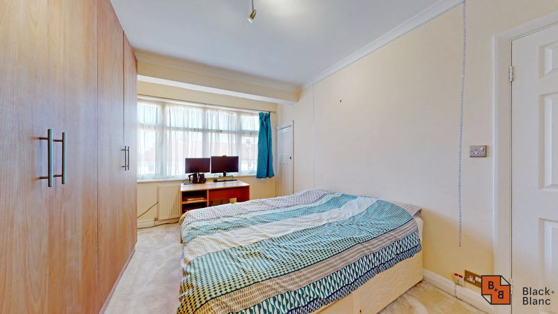 4 bed house for sale in Kent Road  - Property Image 9