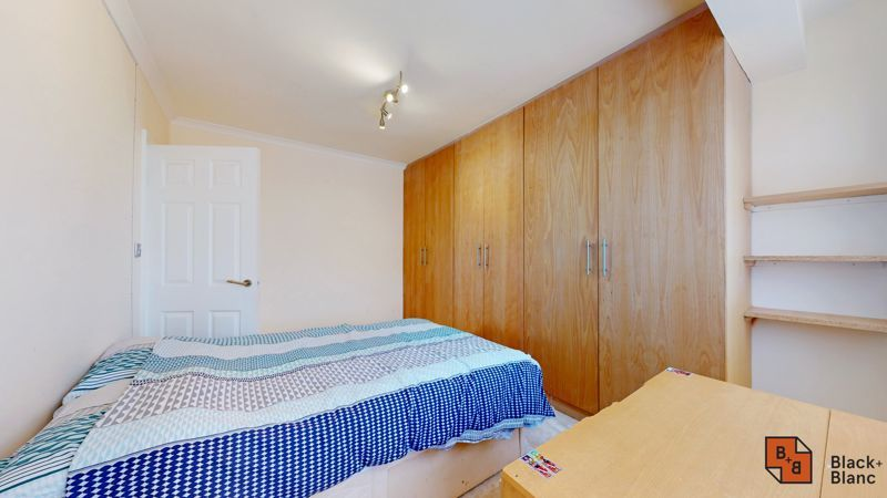 4 bed house for sale in Kent Road  - Property Image 10