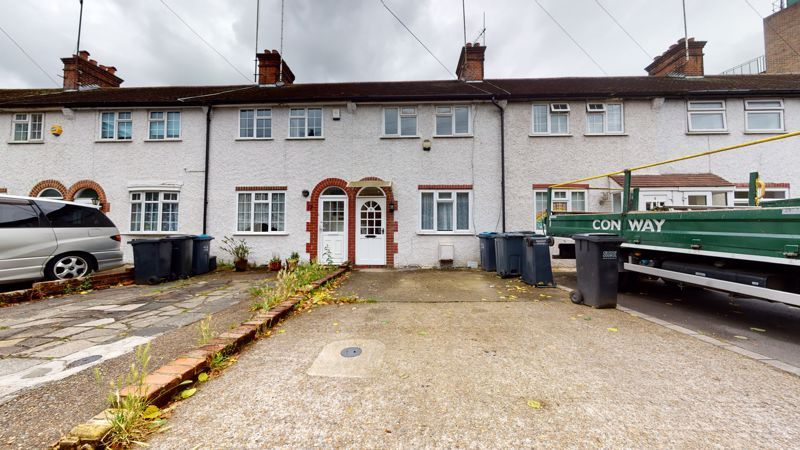 2 bed house to rent in Woburn Avenue, CR8