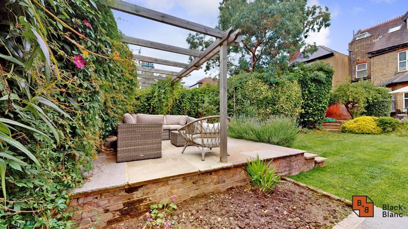 2 bed flat for sale in Park Lane 12
