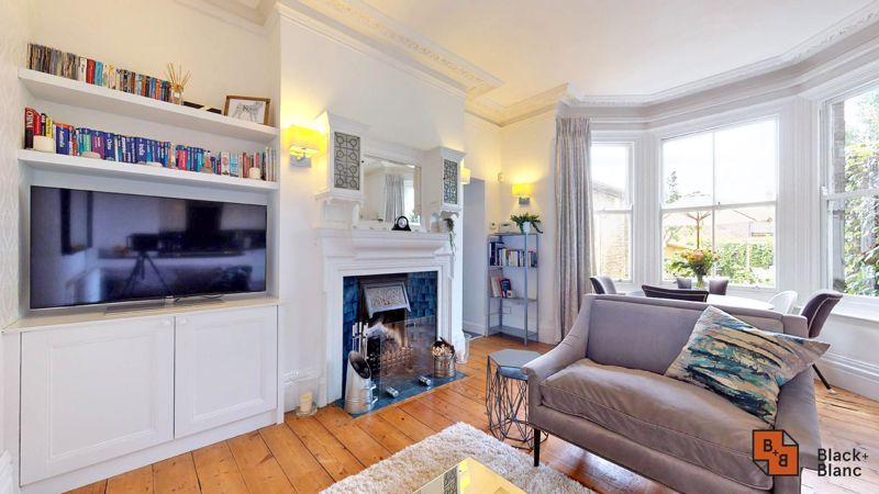 2 bed flat for sale in Park Lane 3