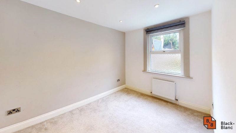 3 bed flat for sale in Waldegrave Road  - Property Image 8