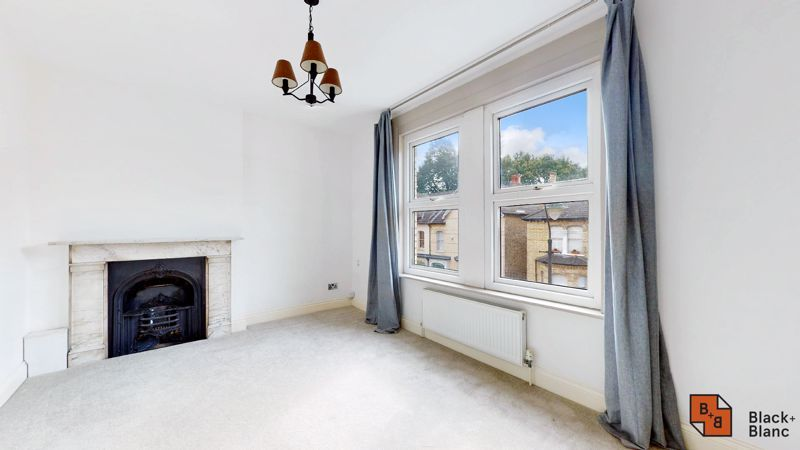 3 bed flat for sale in Waldegrave Road  - Property Image 9