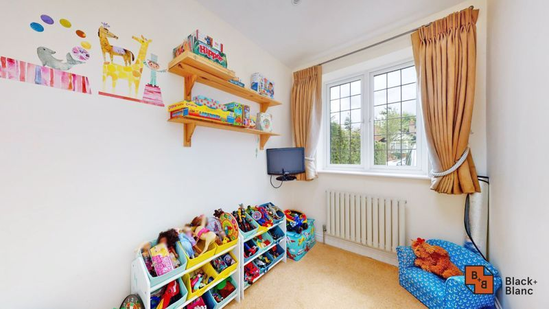 3 bed house for sale in Graham Close 11