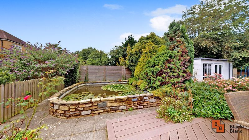 3 bed house for sale in Graham Close 17
