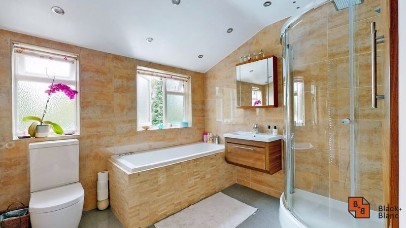 3 bed house for sale in Graham Close 19