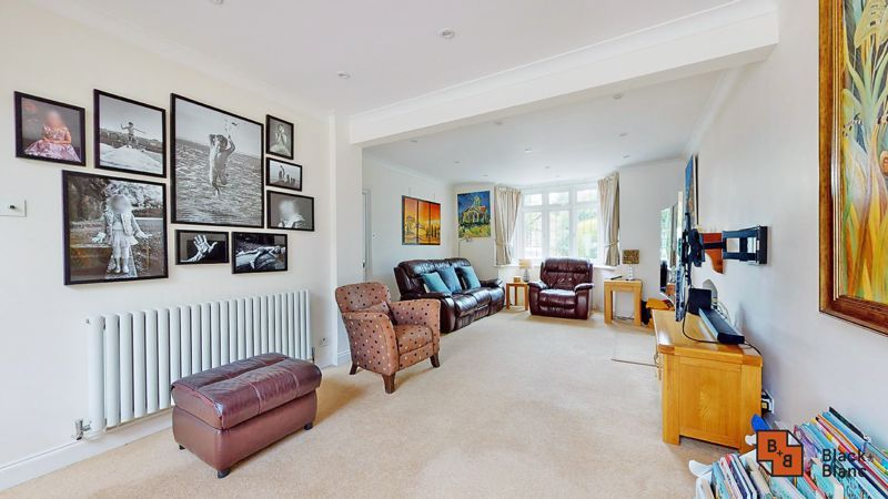 3 bed house for sale in Graham Close 3
