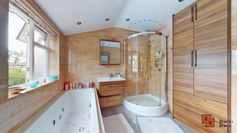 3 bed house for sale in Graham Close 23