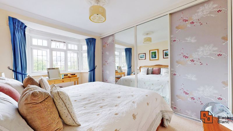 3 bed house for sale in Graham Close 5