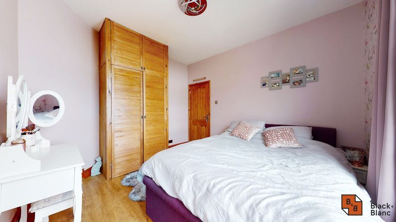 1 bed flat for sale in Davidson Road 6