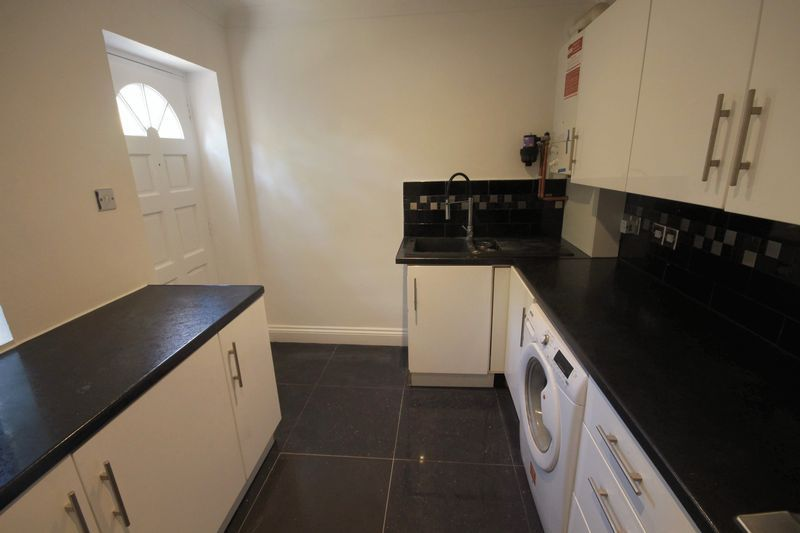2 bed flat to rent in 1 Bedford Place 4