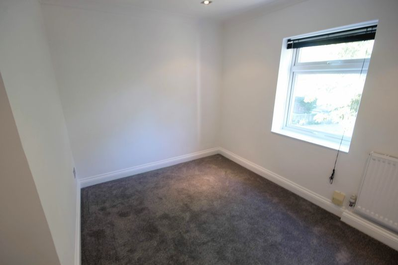 2 bed flat to rent in 1 Bedford Place 8