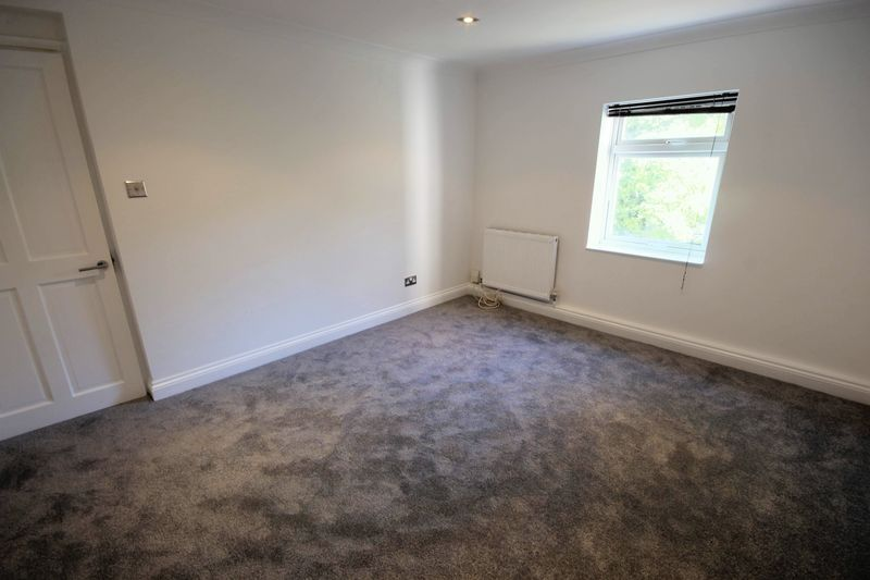 2 bed flat to rent in 1 Bedford Place  - Property Image 10