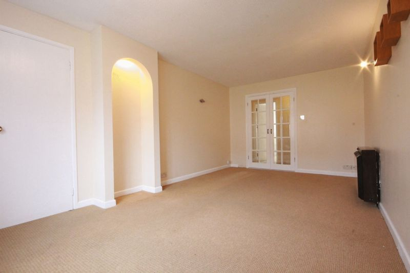 2 bed flat to rent in Davies Close 4
