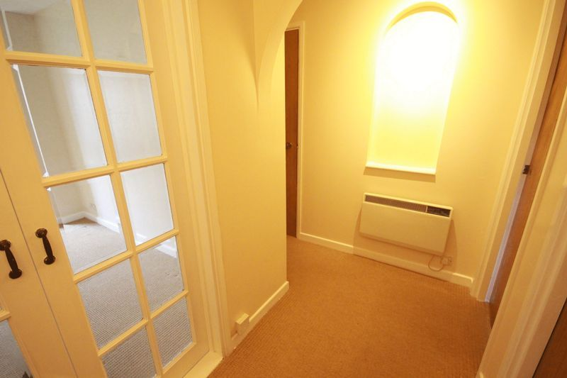 2 bed flat to rent in Davies Close 6