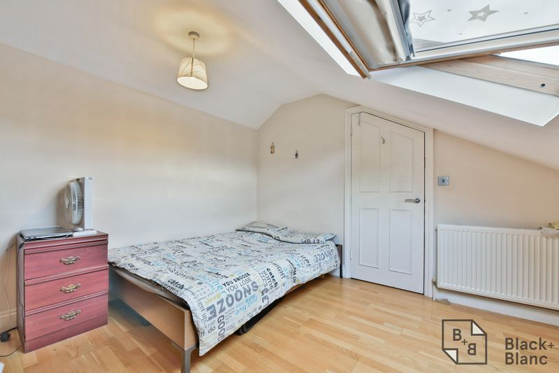 2 bed flat for sale in 6 Dafforne Road  - Property Image 5