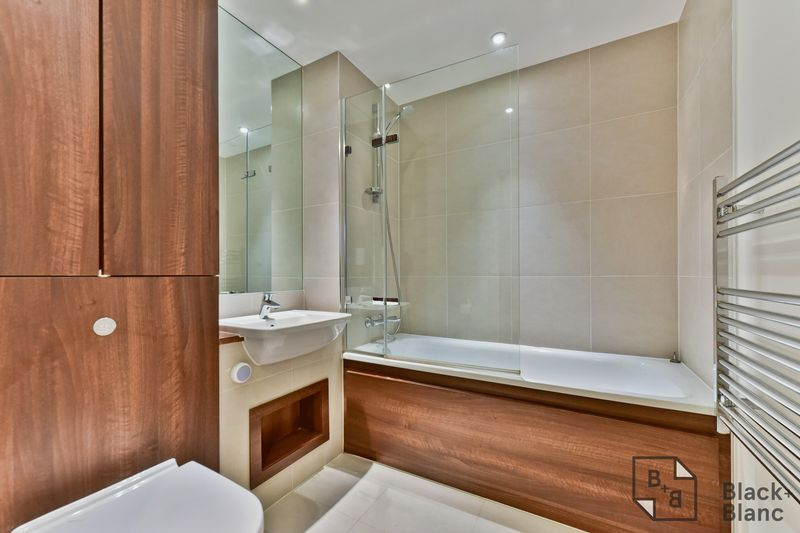 2 bed flat for sale in Saffron Central Square  - Property Image 11