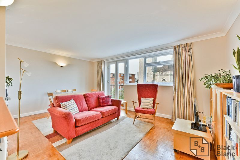 2 bed flat for sale in Canning Road 1