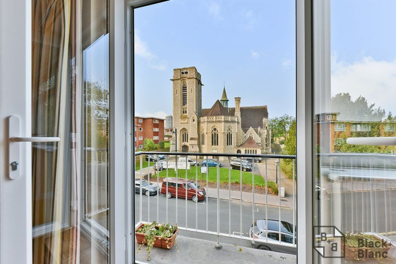 2 bed flat for sale in Canning Road  - Property Image 3
