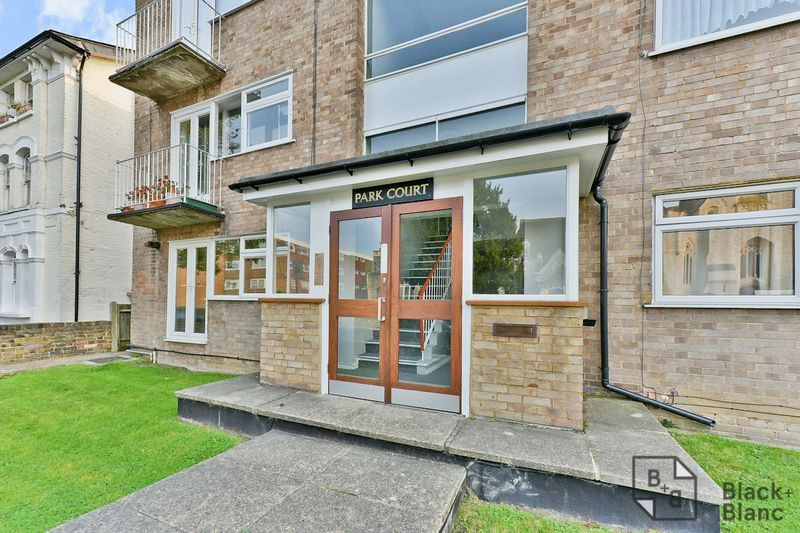2 bed flat for sale in Canning Road  - Property Image 8
