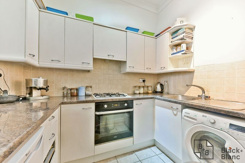 1 bed flat for sale in Chatsworth Road 5