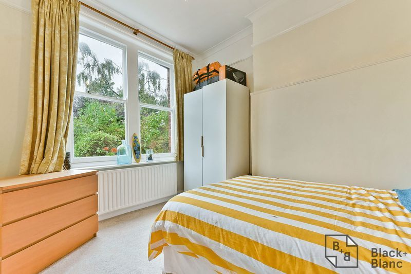 1 bed flat for sale in Chatsworth Road 6