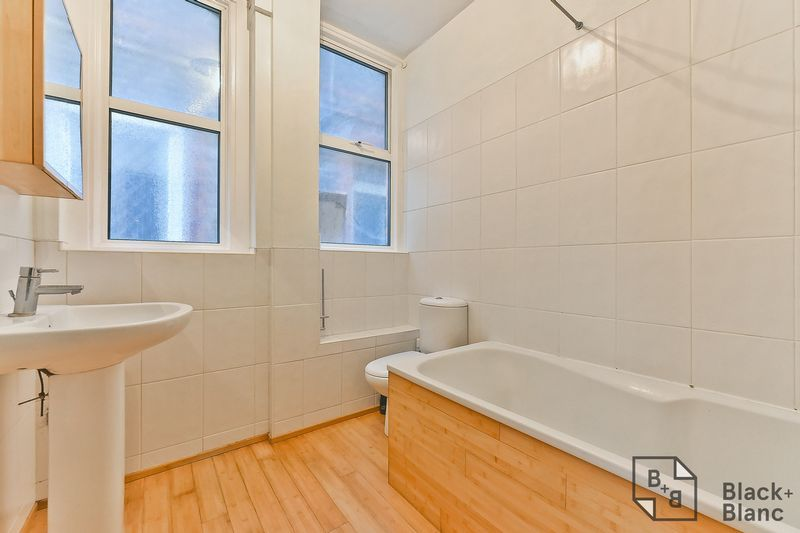 1 bed flat for sale in Chatsworth Road  - Property Image 8